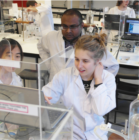 Photo of undergraduate students in the Department of Pharmacology